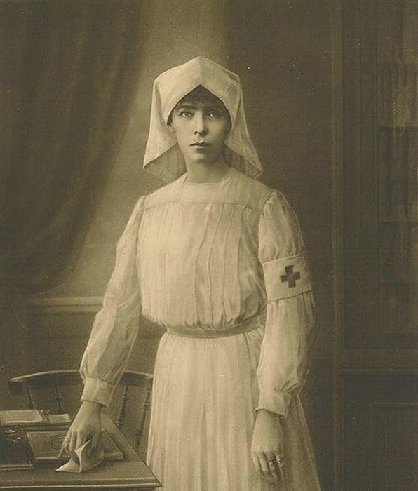 Elizabeth of Bavaria, Queen of Belgium DuringWWI