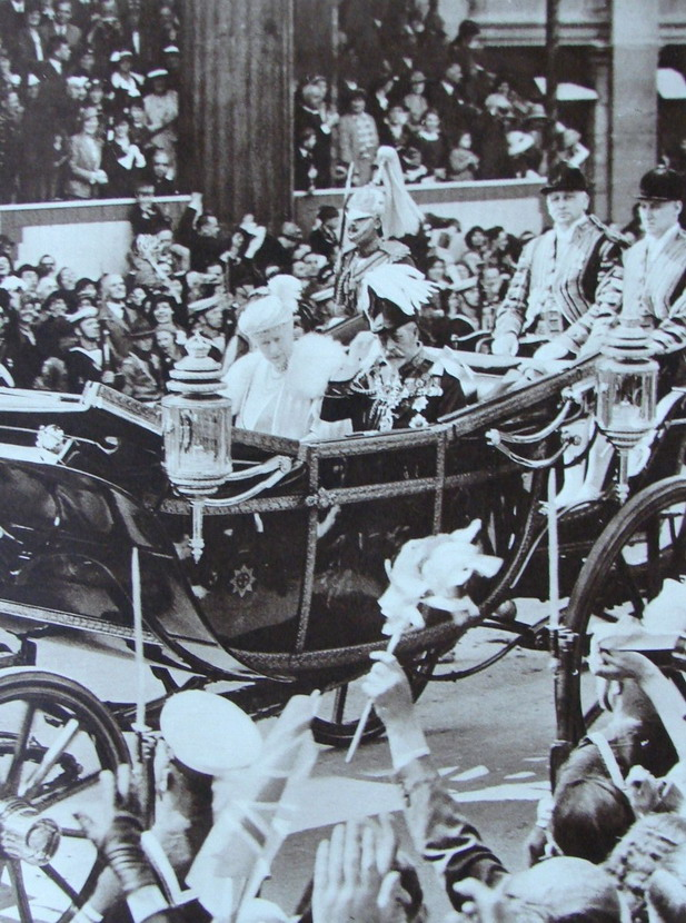 King George V and Queen Mary celebrating his Silver Jubilee,1935