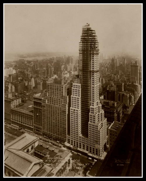 Building a skyscraper at 500 Fifth Avenue, NYC,1930