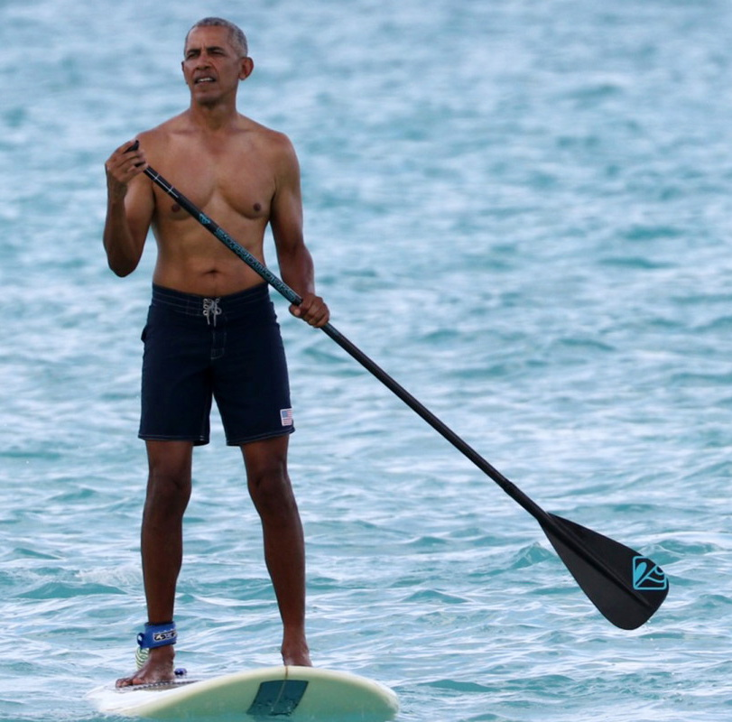 Shirtless former US President, chilling,2021