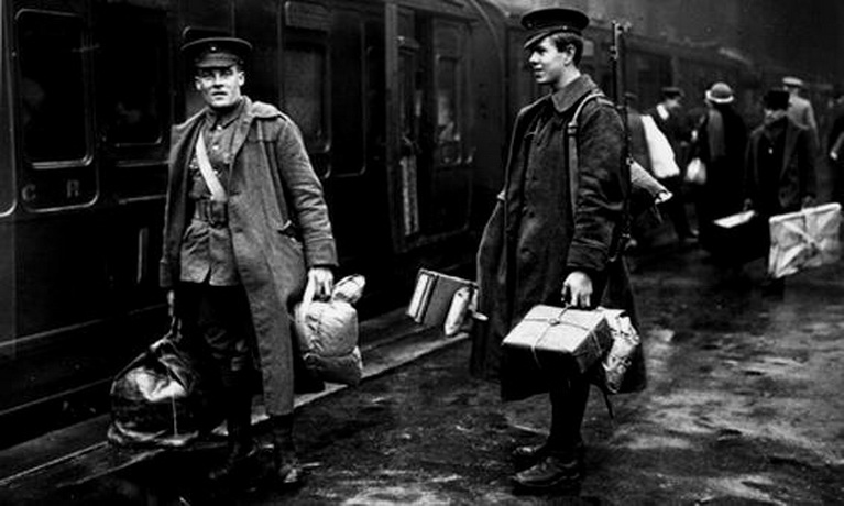 British soldiers leaving for the front,WWI