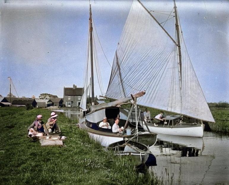 Boating party, UK, circa1910