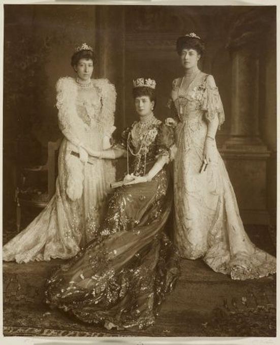 Queen Alexandra ofUK