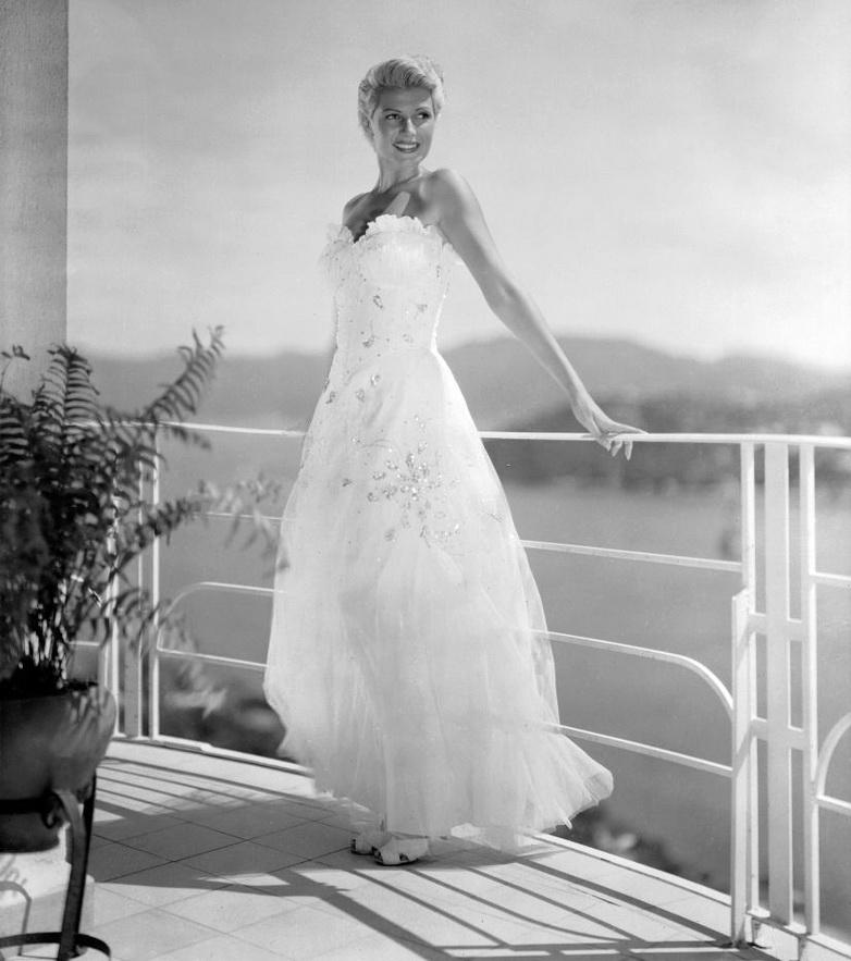 "Rita Hayworth as a blond in ""Lady FromShanghai"""