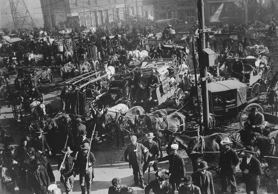 Chaos in the streets of San Francisco after the earthquake of 1906