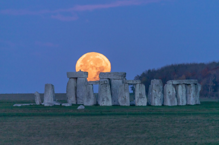 Moonrise at Stonehenge