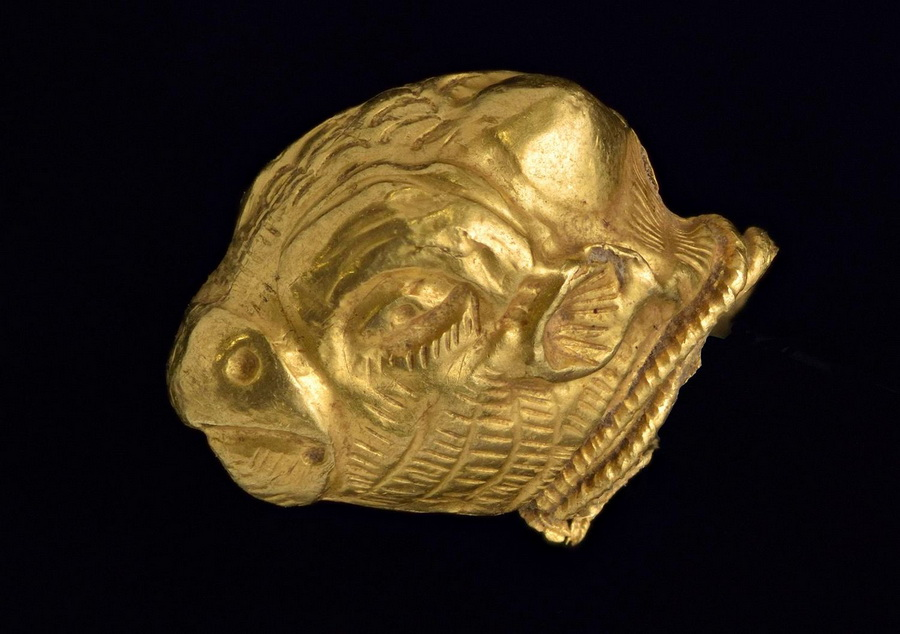 Etruscan Sheep Head made ofgold