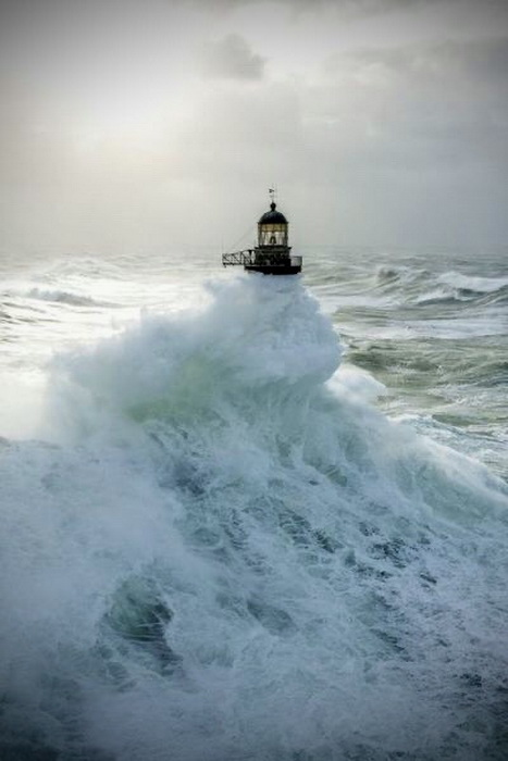 Lighthouse and waves