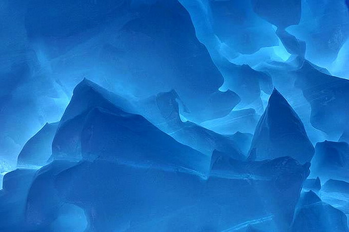 Ice, Antarctica, photo by Tony Travouillo