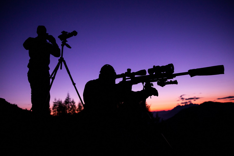 NATO soldiers doing some nighttime sniperpractice