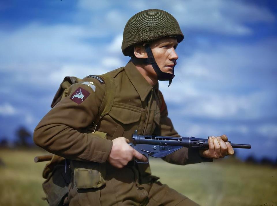 British paratrooper, WWII