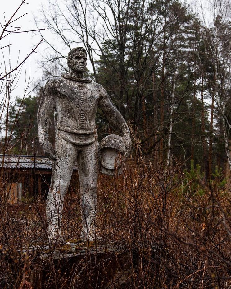 Abandoned cosmonaut statue,Russia