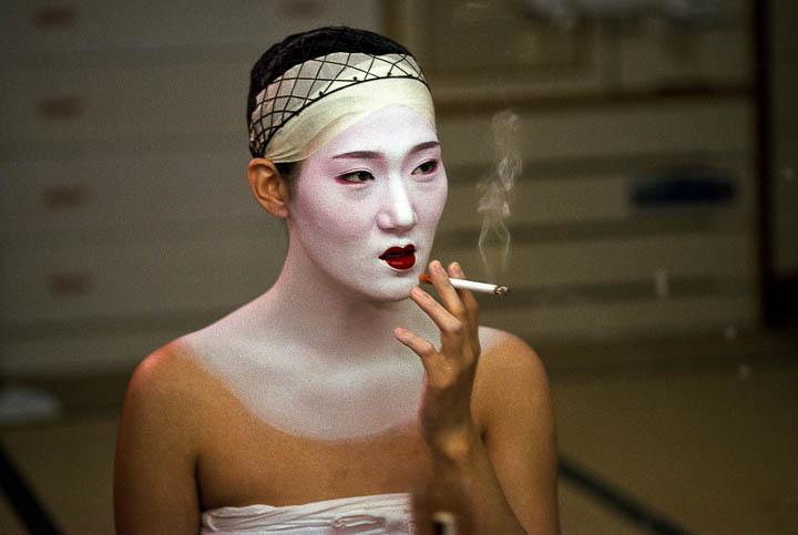 """Geisha Takes a Break"" by JodiCobb"