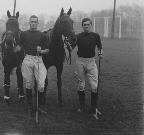 Vintage polo players