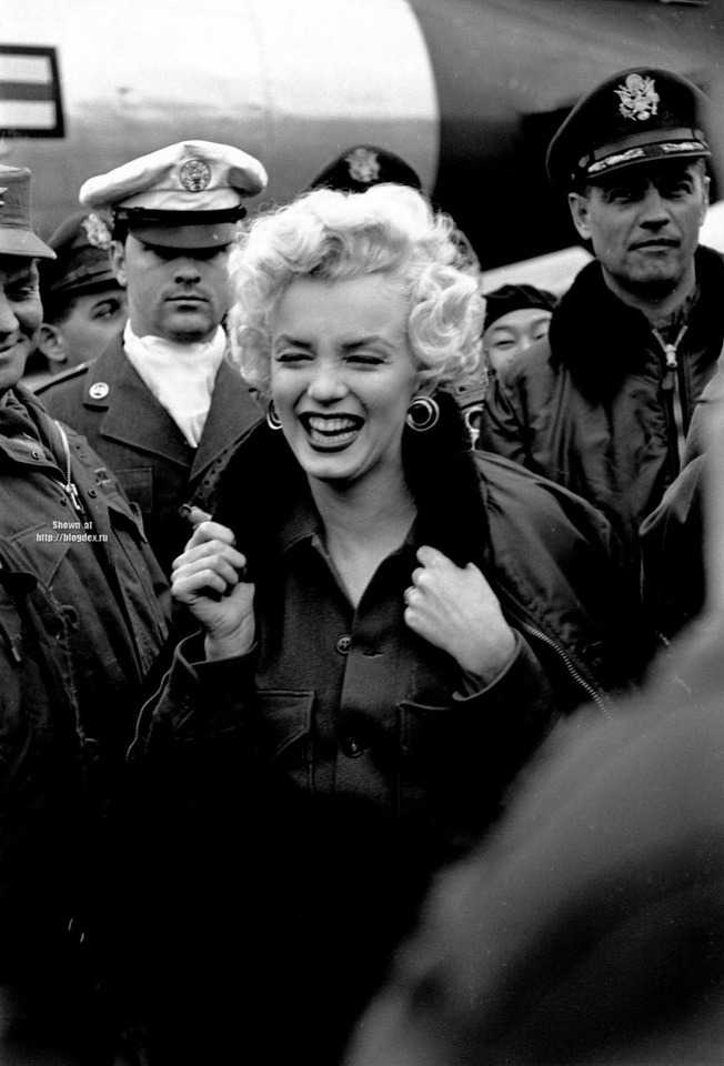 Marilyn Monroe on a USO tour to entertain troops in South Korea,1954