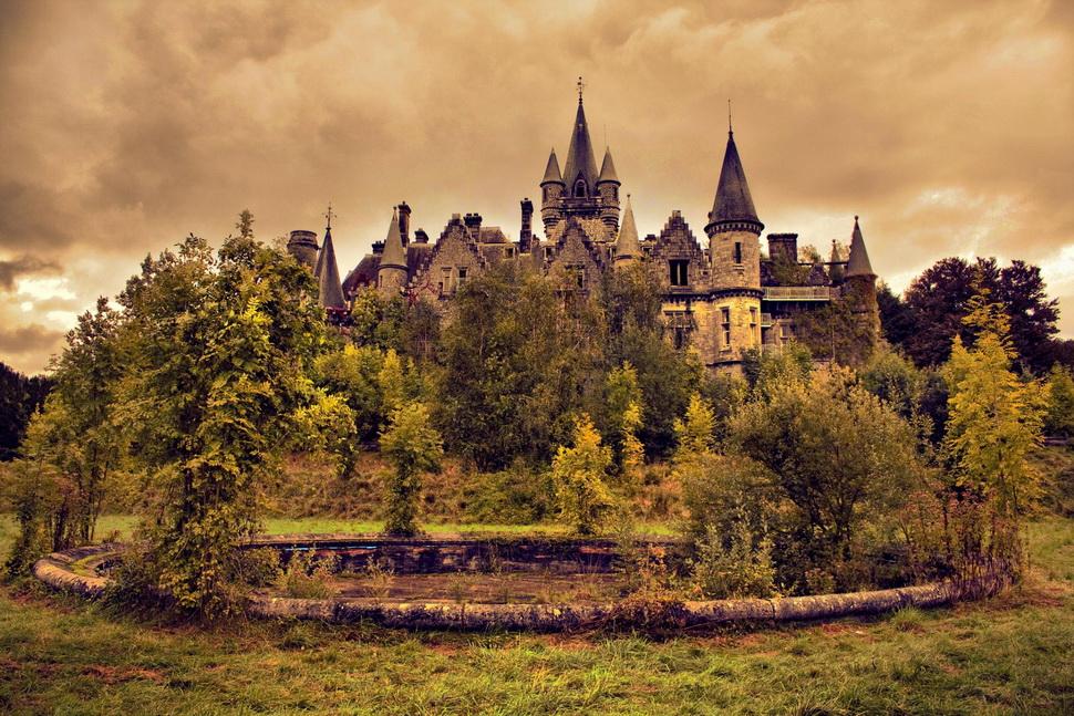 Abandoned castle, Belgium