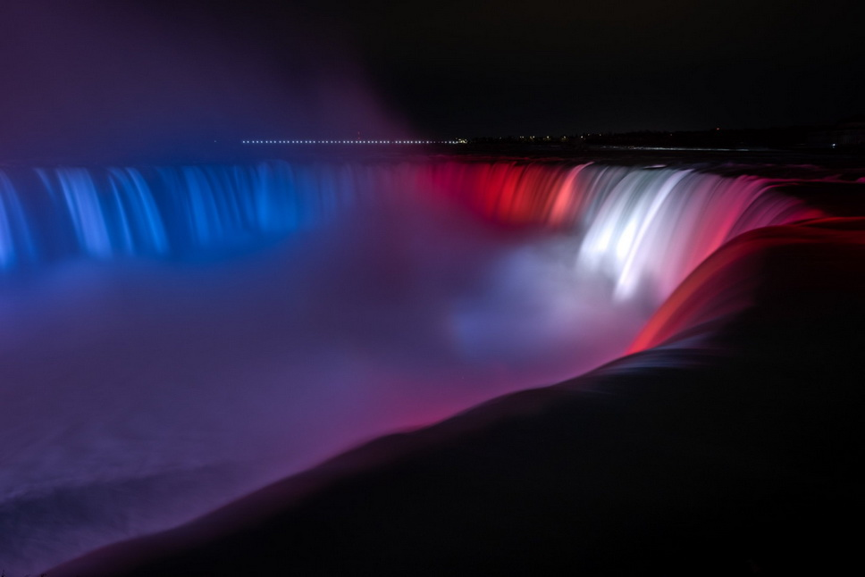 Niagara Falls lit up in bleu, blanc, et rouge in honour of the Canadiens (GO HABS GO!) making into the top 4 of the NHL playoffs, lastnight