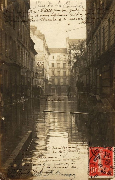Paris during the Flood of1911