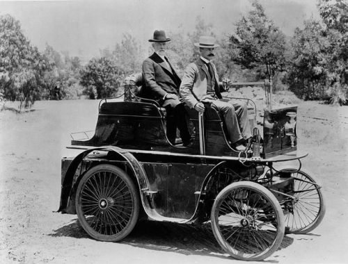 The first automobile in Los Angeles,1897