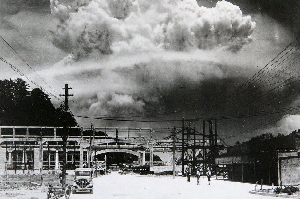 Atom bomb exploding over Nagasaki,1945