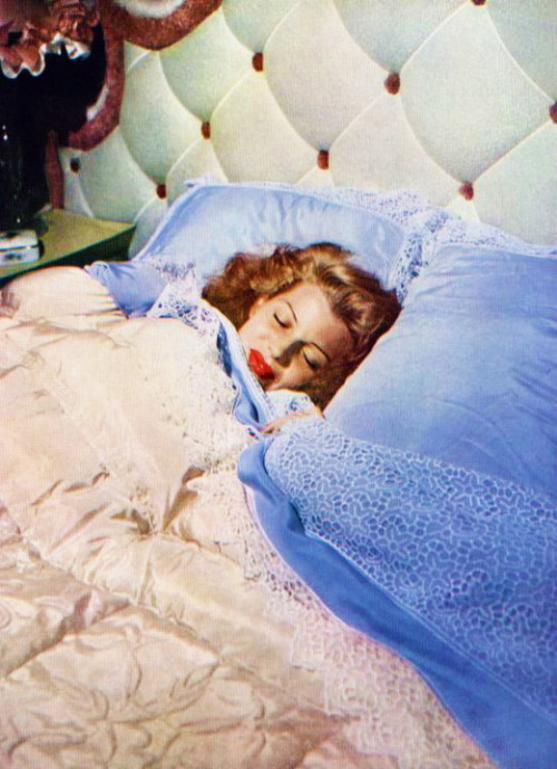 Rita Hayworth in bed,1940s