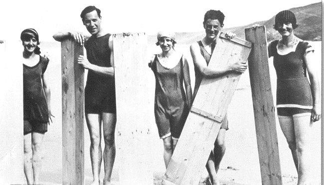 Surfers, 1920s
