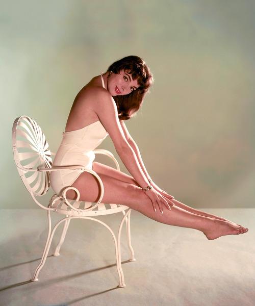 Joan Collins, 1950s