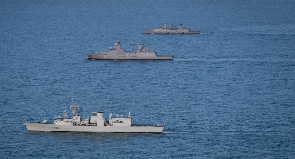 NATO ships atsea