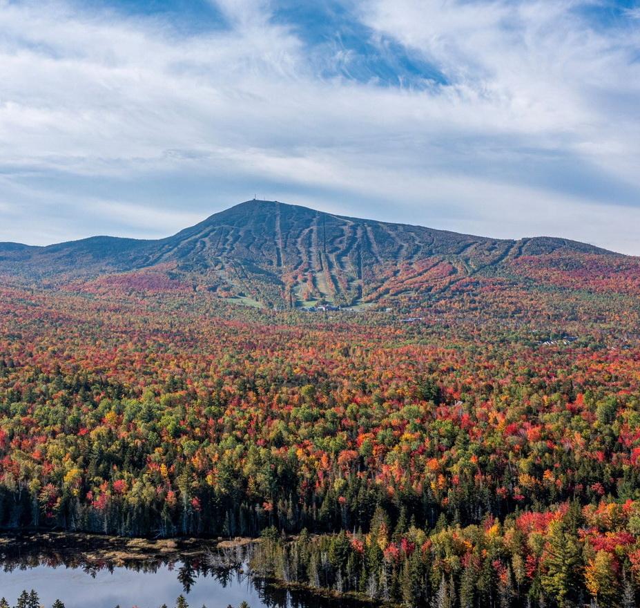 Autumn in western Maine around the Sugarloaf Mountain skiresort