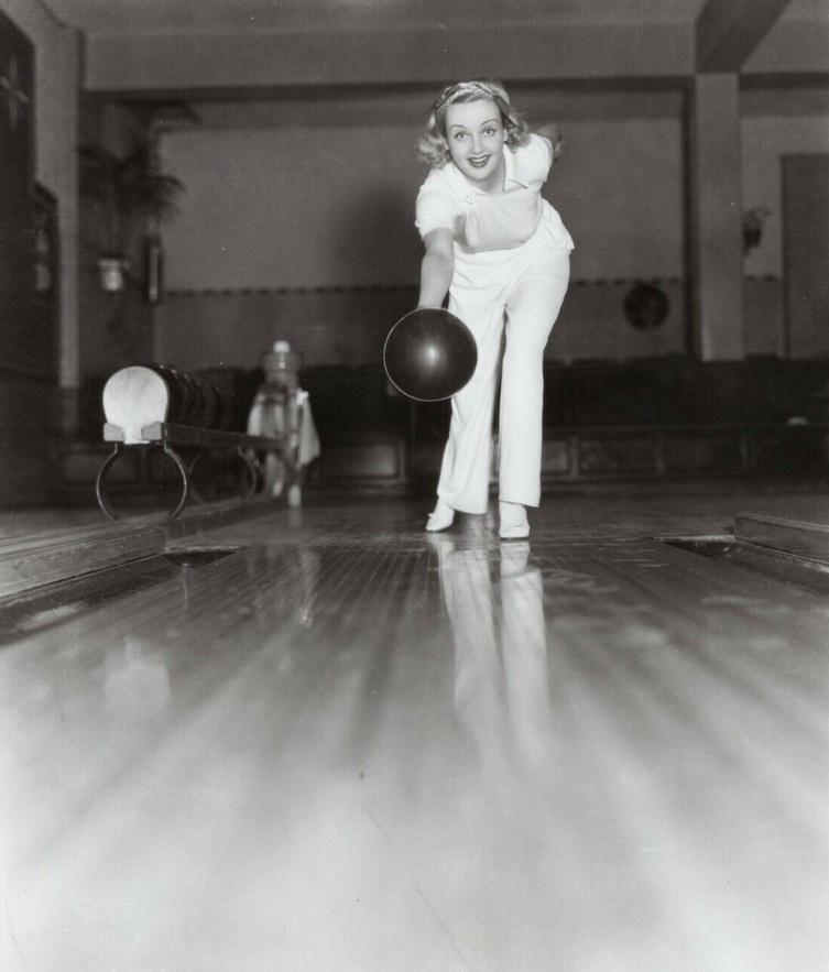 Carole Lombard bowling,1930s