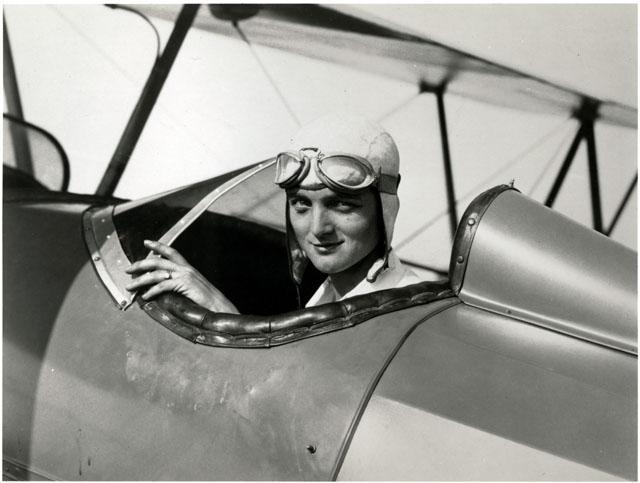 Louise Thaden, female aviation pioneer,1932